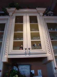 Decorative trims, crown moulding, and interior renovations by Quality Cabinets - Parksville - Qualicum - Project-14