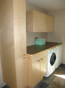 Laundry room cabinets and renovations by Quality Cabinets - Parksville - Qualicum - Project-12